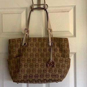 Michael Kors Bags - NWOT..MICHEAL KORS bag